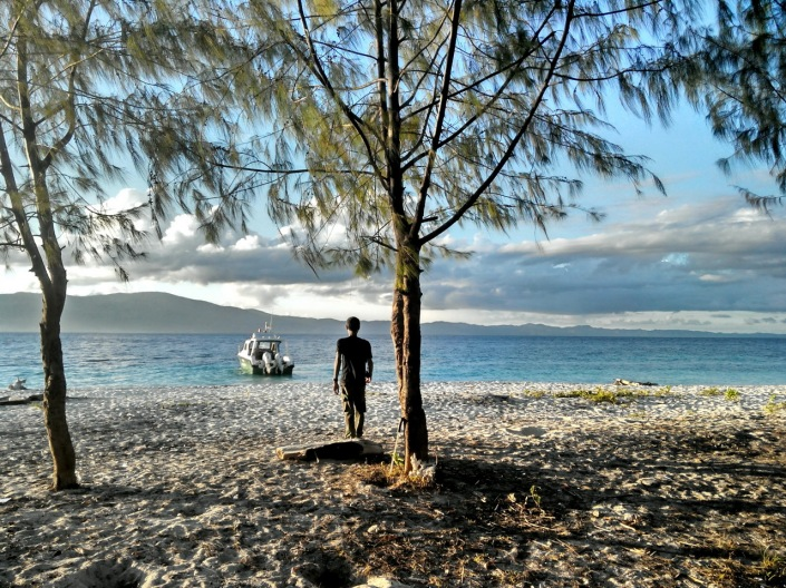 Nurdin, pada suatu sore di Pulau Kasa [taken from Lenovo P780]